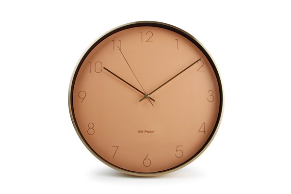 salt and pepper klok roos goud WALL CLOCK 31CM PINK WITH FRAME GOLD ZONE